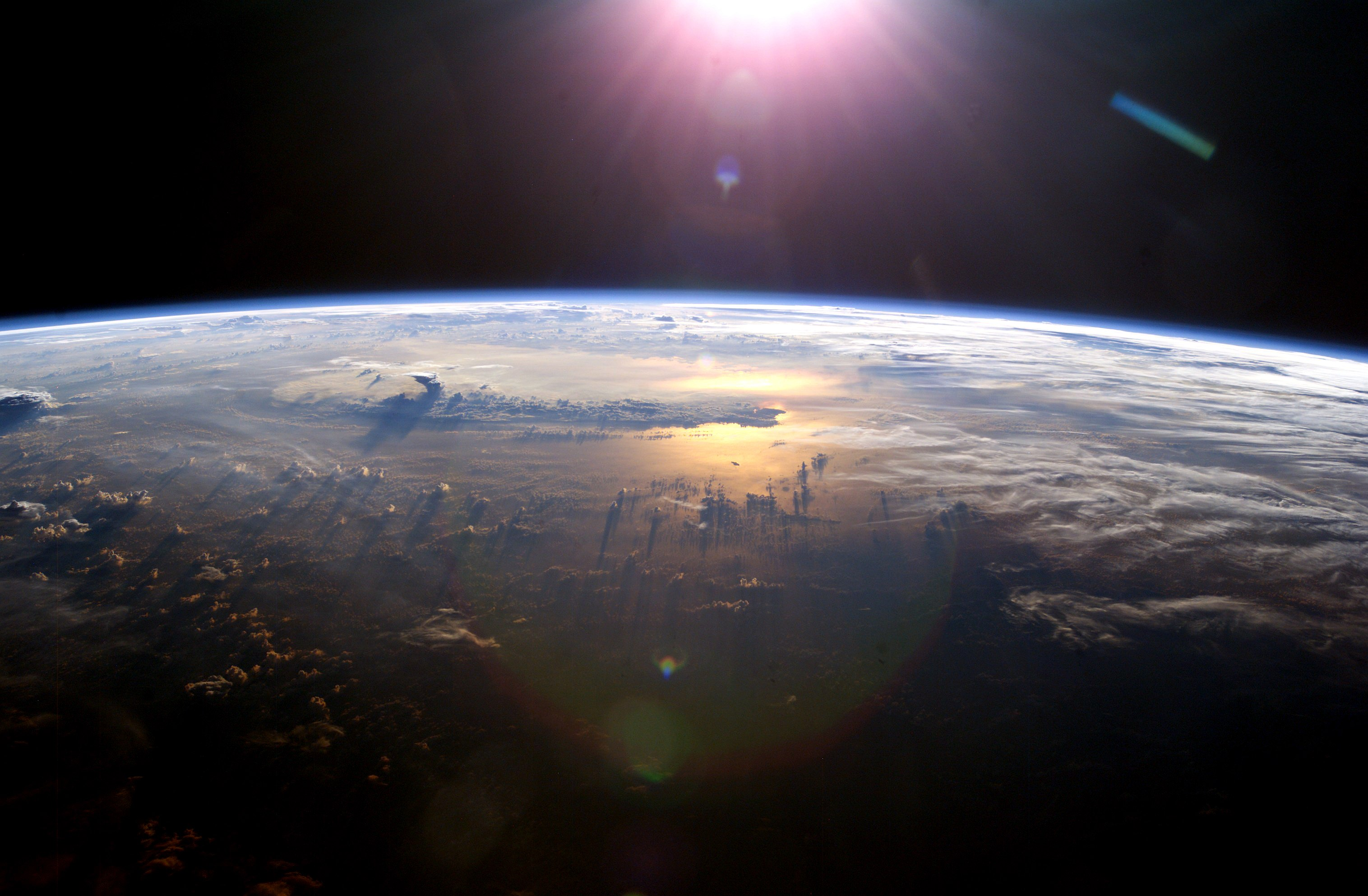 """""""Pacific Ocean from Space"""" © blueforce4116; Creative Commons license"""