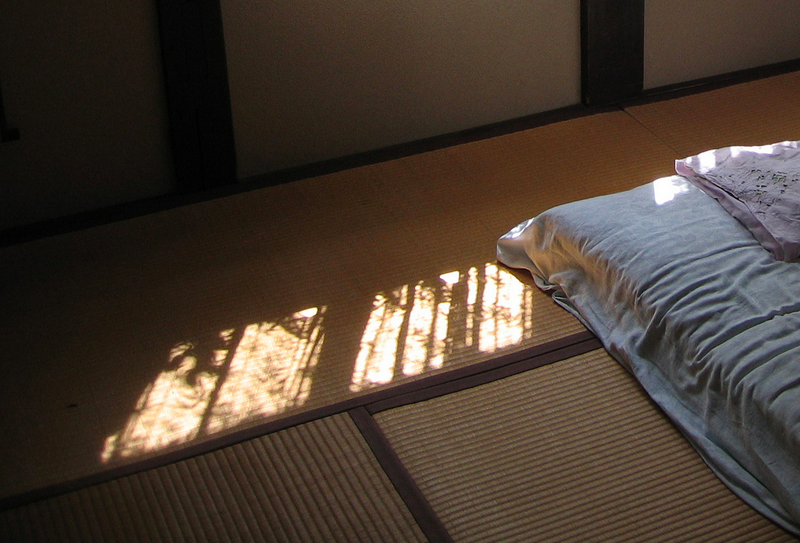 """朝日影...Morning Light"" © V; Creative Commons license"
